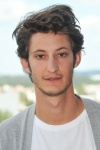 Pierre Niney : Jean qui pleure, Jean qui rit – Interview pour Yves Saint Laurent