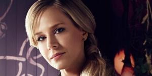 """Julie Benz : """"Juger son personnage, c'est la mort de l'acteur."""" – Interview pour Defiance saison 3"""