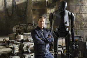 Alan Tudyk et K-2SO, grandeur nature