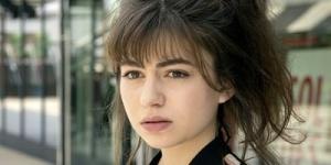 Alba Gaïa Bellugi : « Je me dévoile malgré moi » – Portrait pour Manon 20 ans et Le bureau des légendes