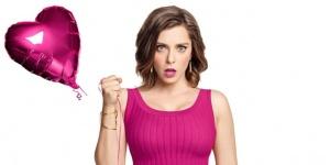 Rachel Bloom : « Je suis une contradiction ambulante et je ne me soigne pas » – Portrait pour Crazy Ex-Girlfriend