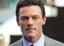 Luke Evans est fasciné par la psychologie criminelle