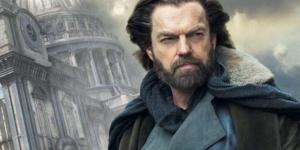 Hugo Weaving : « Je m'améliore en vieillissant » – Interview pour Mortal Engines