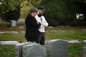 Gabriel Byrne et Joachim Trier sur le tournage de Back Home
